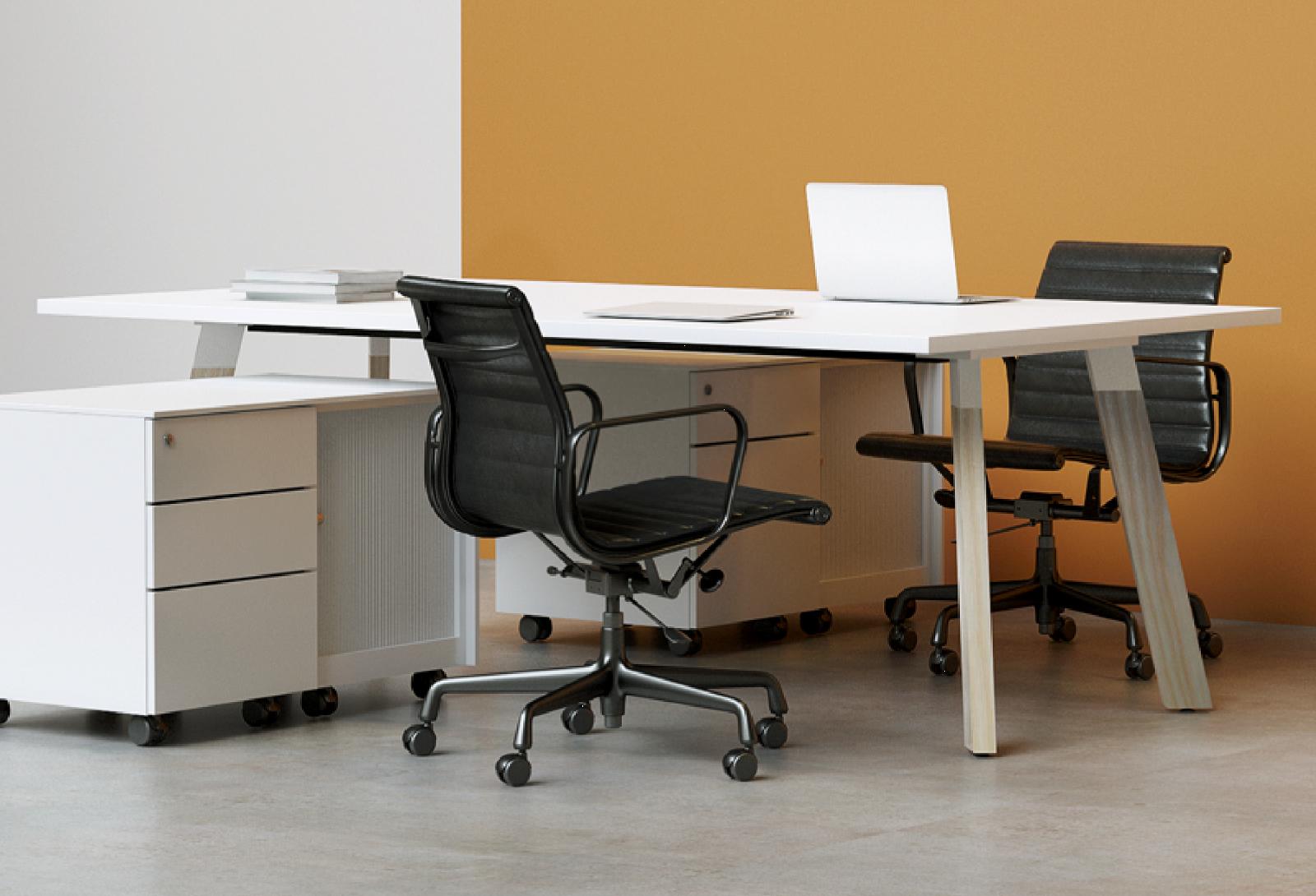 Bladex Timber Desk